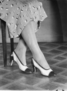 womens_shoes_1935